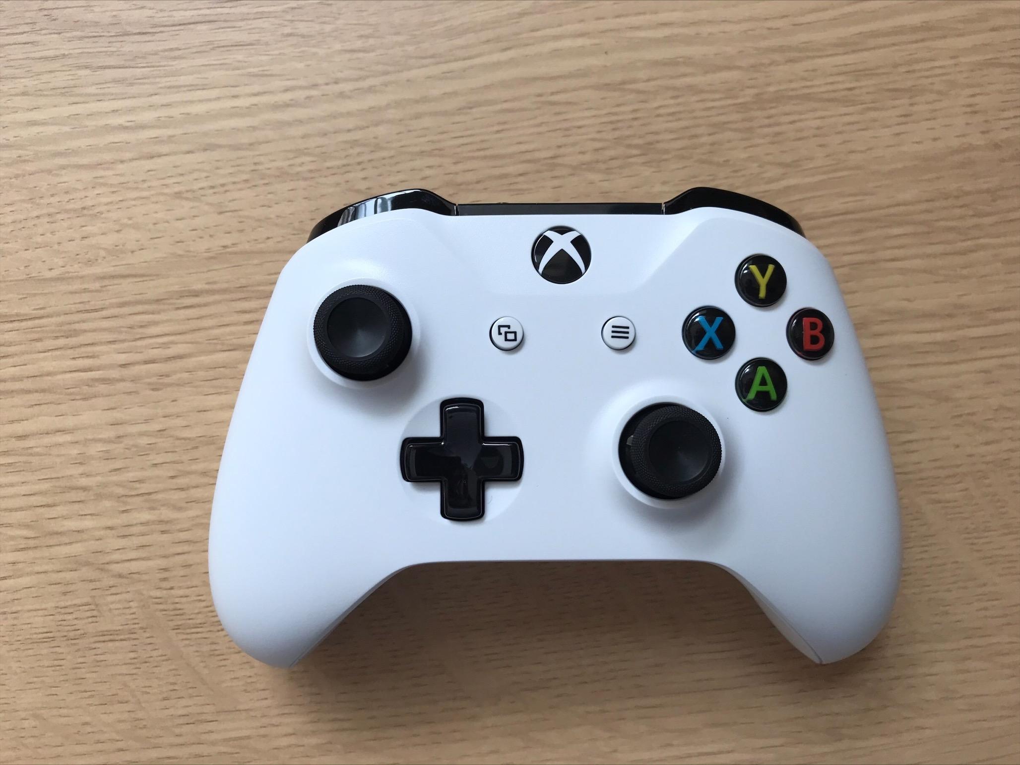 A Lightweight Xbox One controller